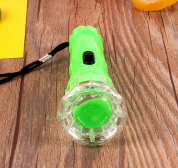 A189 一元1528手电筒 LED手电筒照明灯 家用户外必备 强光电筒