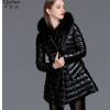 厂家供应欧美秋冬新款时尚大牌狐狸毛领修身显瘦女士真皮羽绒服女