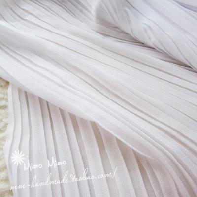 白色风琴褶压皱薄纱雪纺面料 批发纯色大摆裙时装百褶雪纺面料