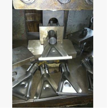 制造优质卷圆模具及冷冲模具冲压件