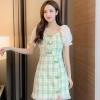 实拍2020夏装新款女装 韩版法式少女复古方领泡泡袖格子连衣裙